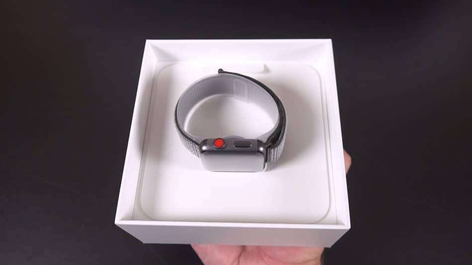 Упаковка Apple Watch 3