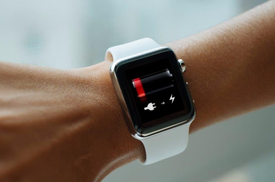 АКБ у Apple Watch 3 разряжен