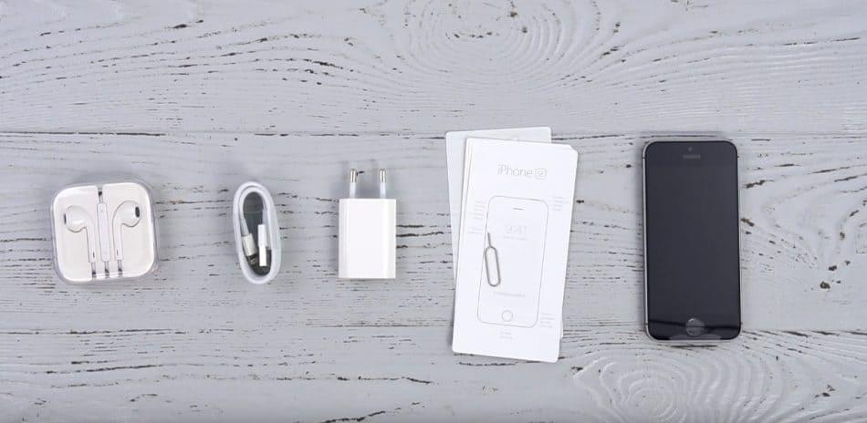 Комплектация Apple iPhone SE
