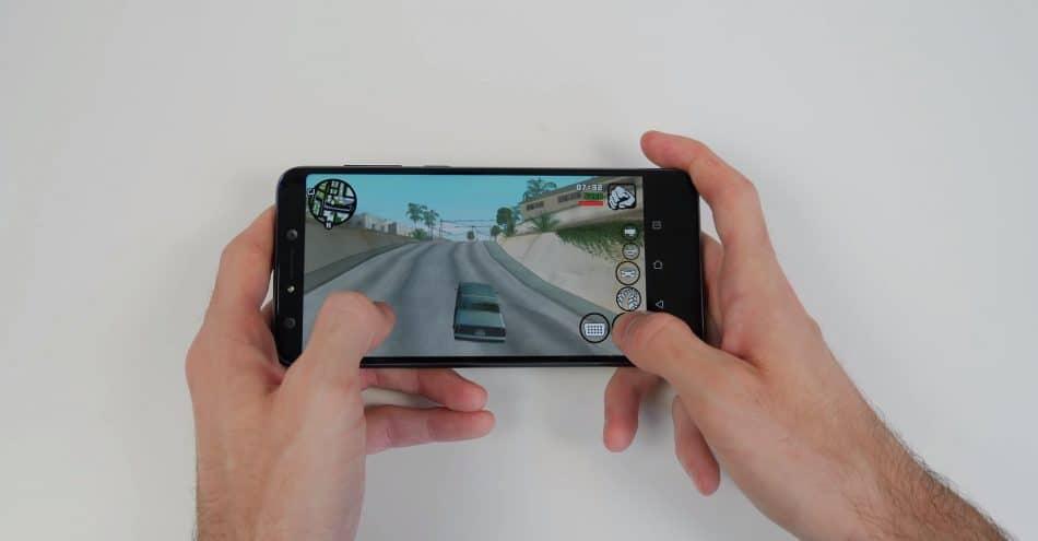 Игровой процесс на Asus ZenFone 5 Lite