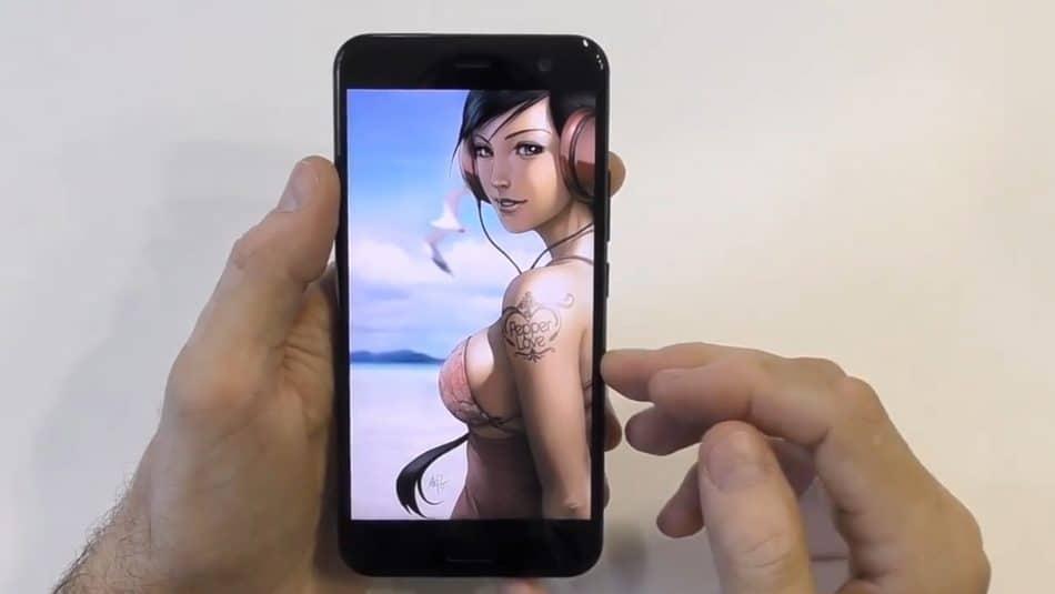 Экран у HTC One X10