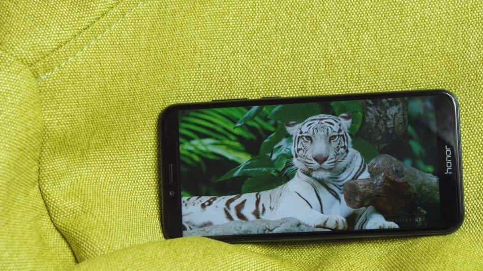 Дизайн смартфона Honor 7A Pro