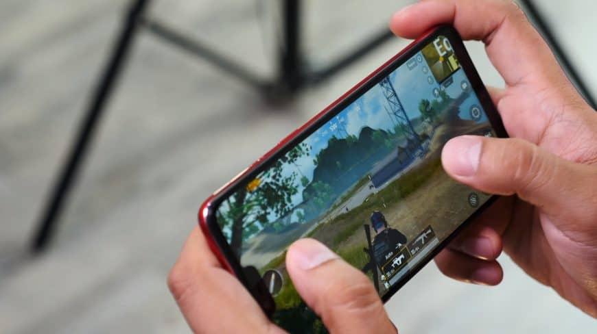 Игры на смартфоне OPPO F7