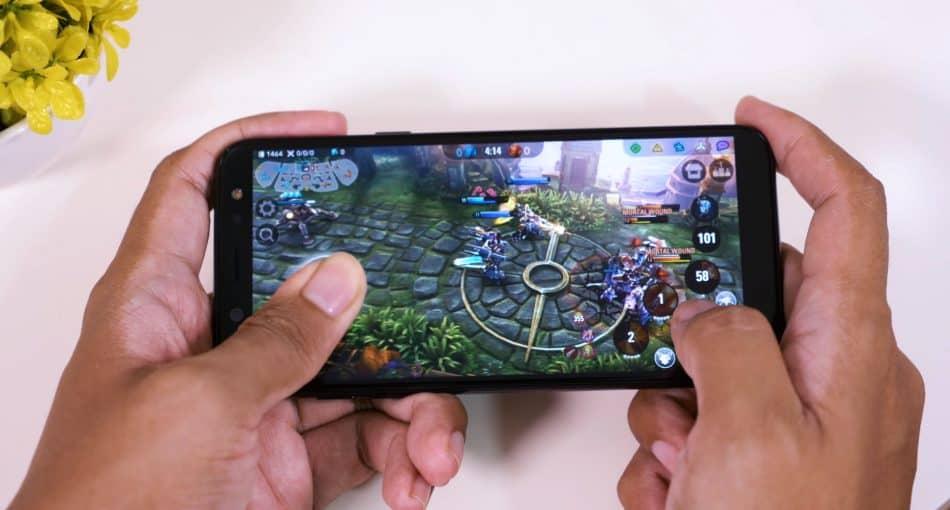 Игровой процесс на Samsung Galaxy A6