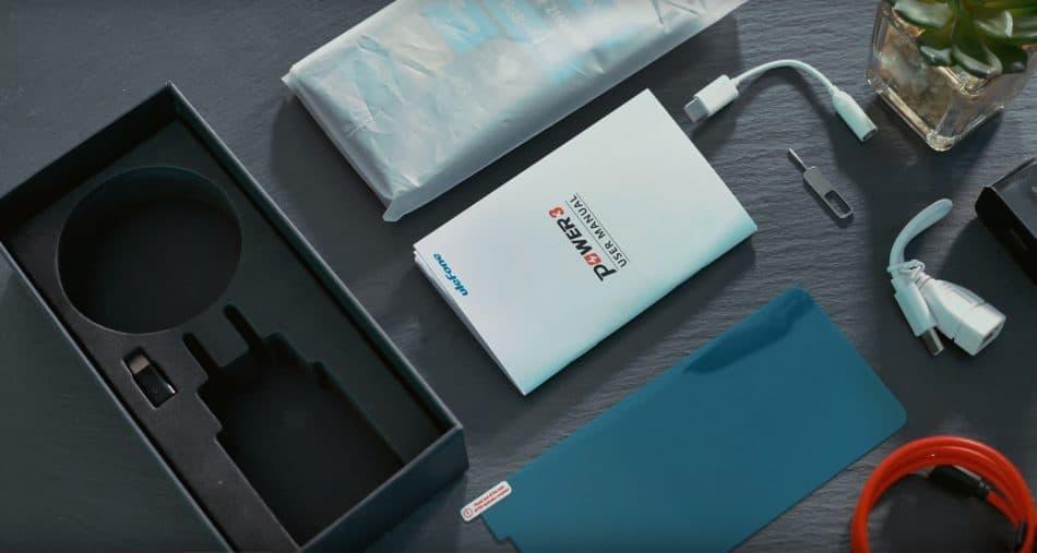 Комплектация: смартфон, силиконовый чехол, защитная пленка, адаптер питания,  USB Type C кабель, иголка для извлечения SIM, OTG-переходник, microUSB-переходник,  3,5mmJack-переходник, инструкция, гарантийный талон