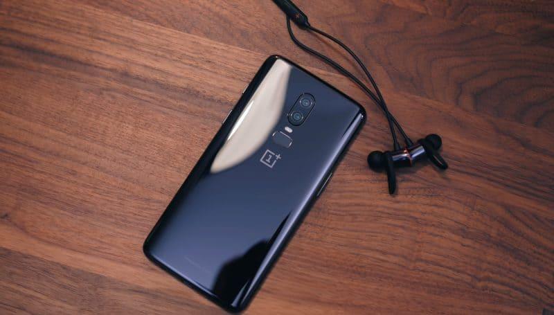 Фото задней крышки OnePlus 6