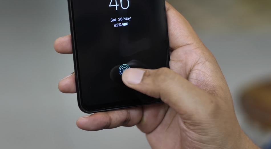 Дисплей и сканер отпечатка пальца