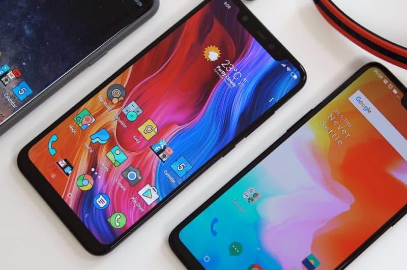 Дизайн смарфона Xiaomi Mi 8