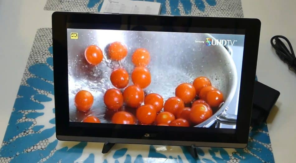 Экран у Acer Iconia One 10 B3-A50FHD