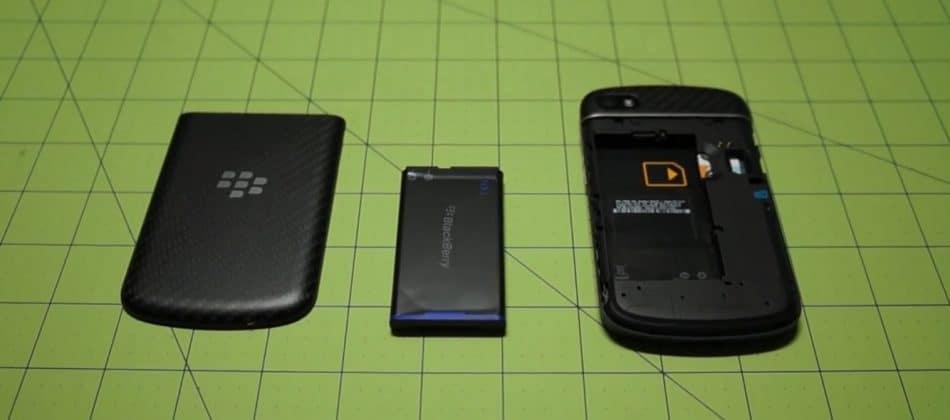 АКБ у Blackberry Q10