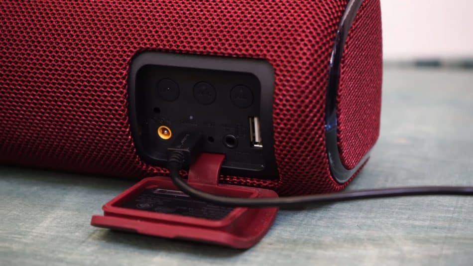Зарядка колонки Sony SRS-XB41