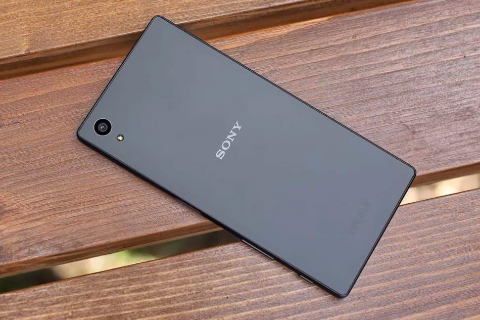 задняя панель смартфона Sony Xperia Z5