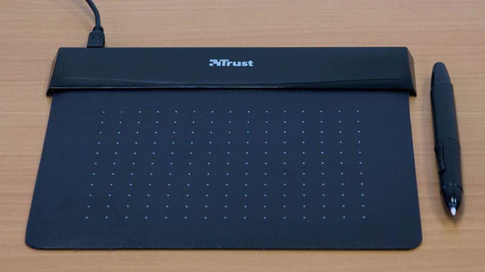Внешний вид графического планшета Trust Flex Design Tablet