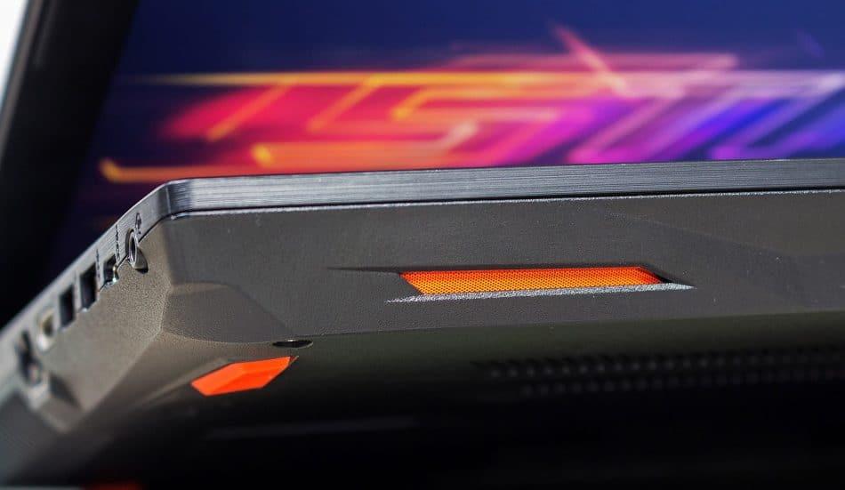 Стерео динамики ноутбука