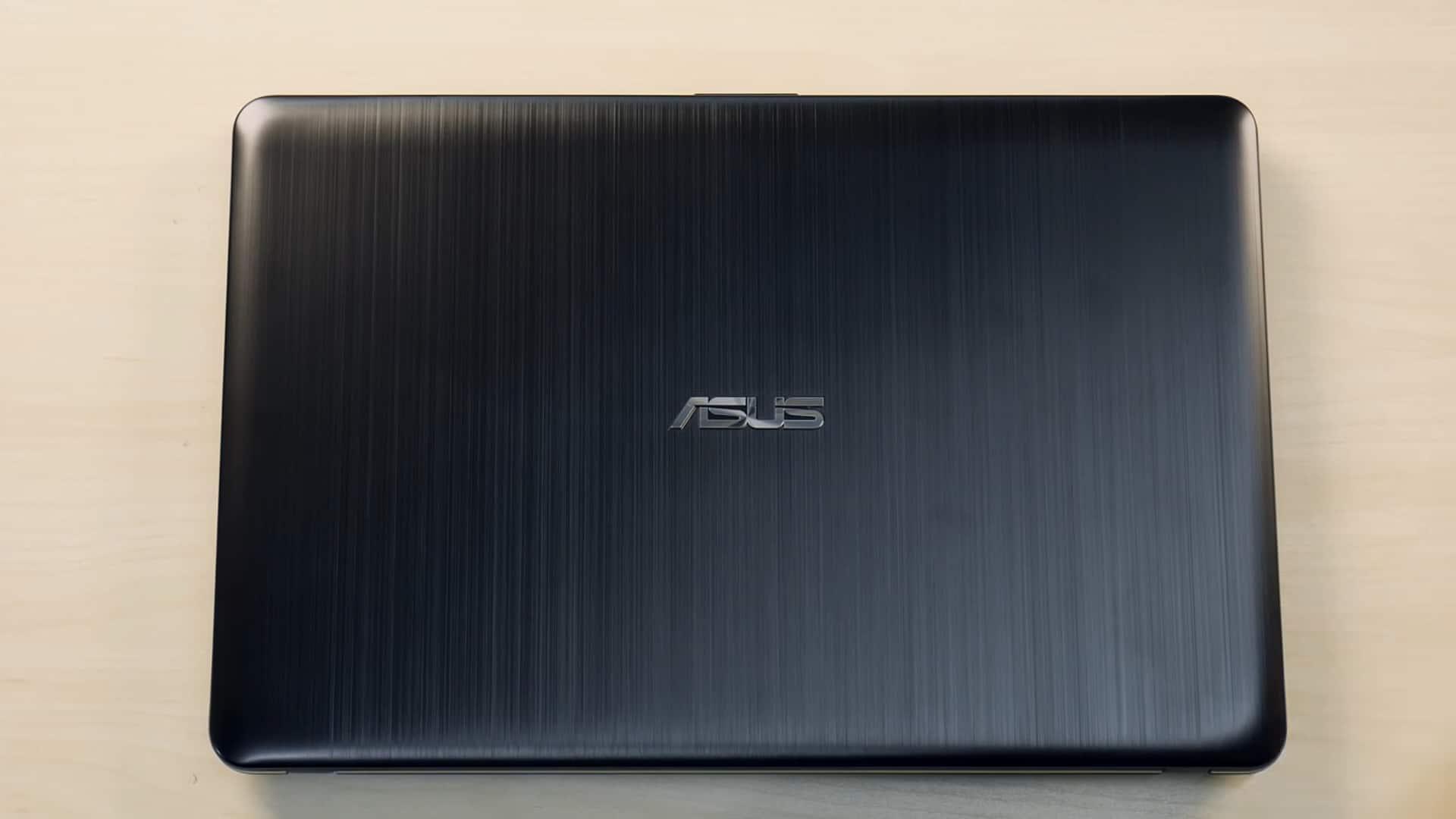 Сложенный ASUS Vivobook Max X541UV
