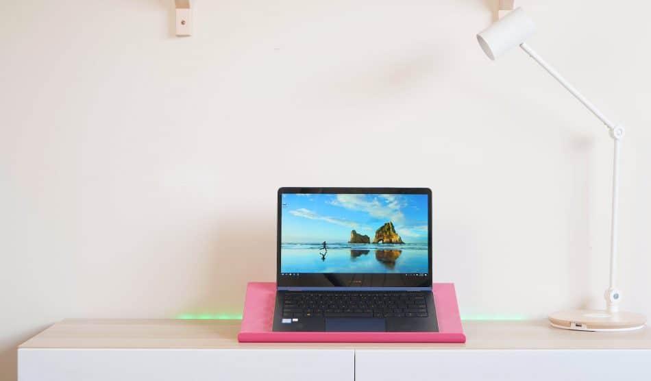 Дизайн Asus ZenBook Flip S