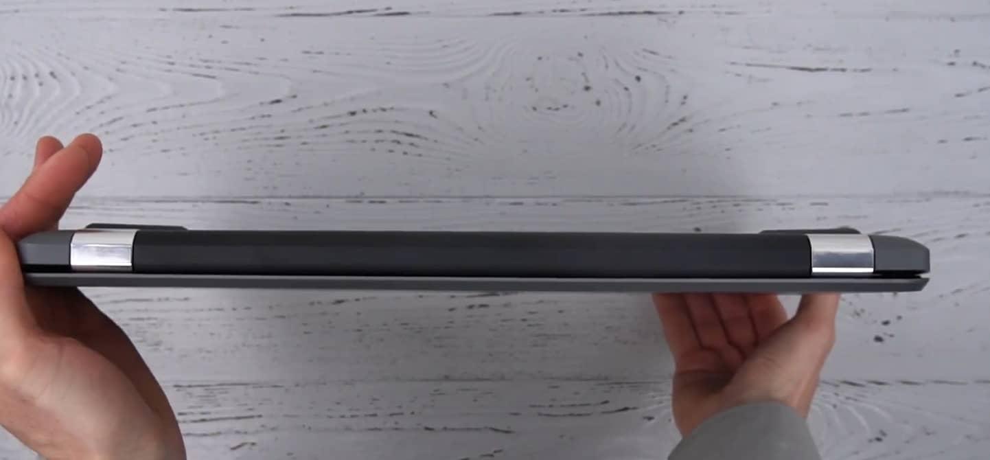 Вид с тыльной стороны на сложенный ноутбук