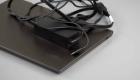 Ноутбук и зарядное устройство