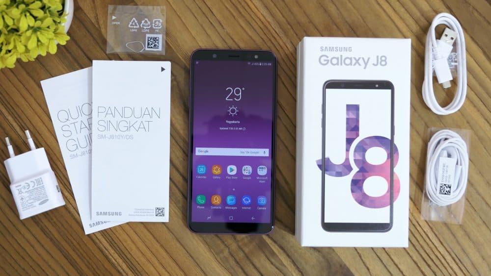 Комплектация Samsung Galaxy J8