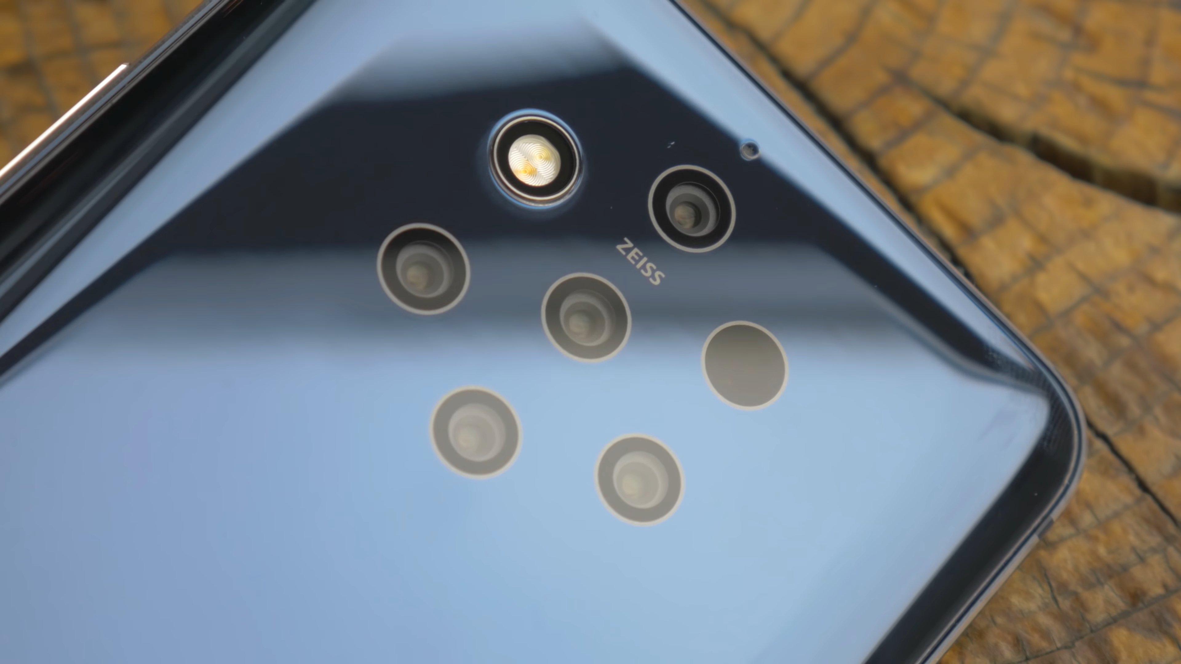 Пять камер смартфона Nokia 9 PureView