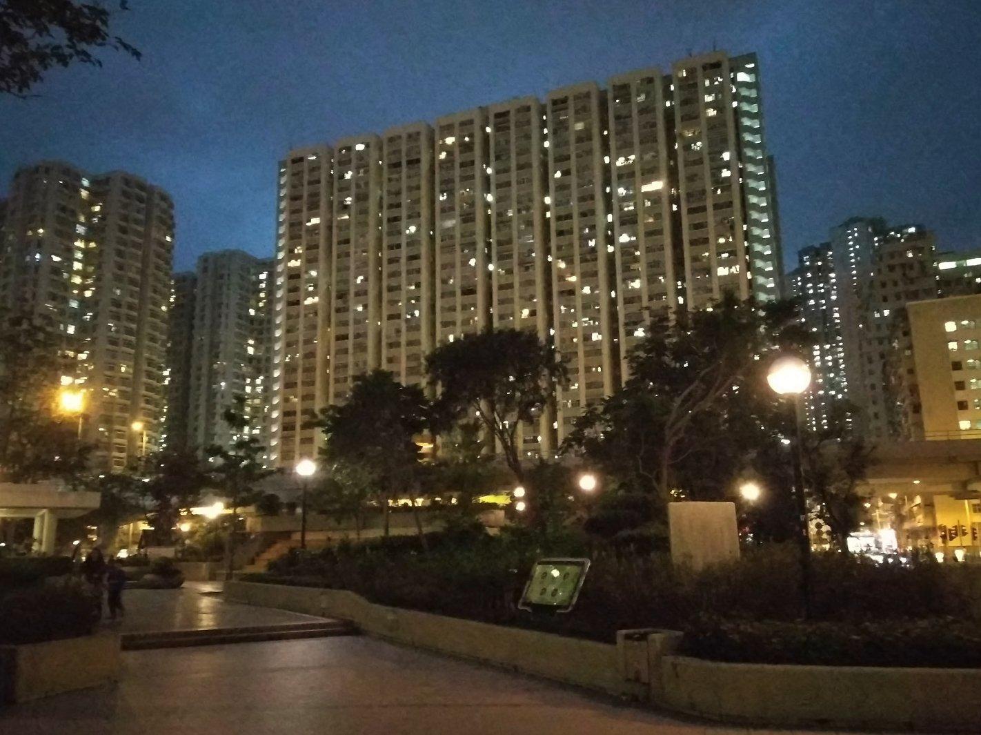 Пример фотографии ночью в городе