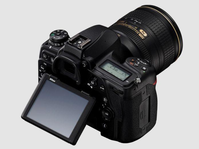 Внешний вид фотокамеры Nikon