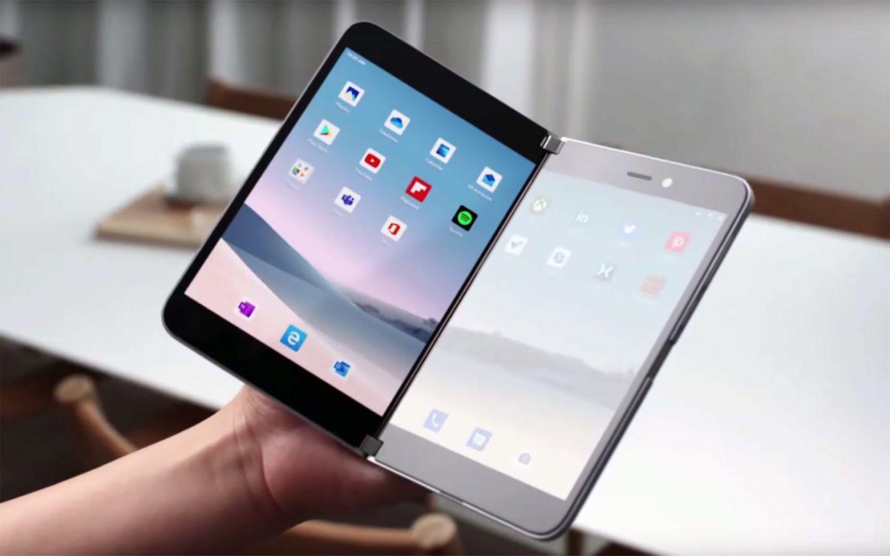 Microsoft Surface Duo в раскрытом состоянии