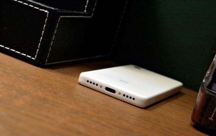 Смартфон Xiaomi QIN AI Assistant Pro