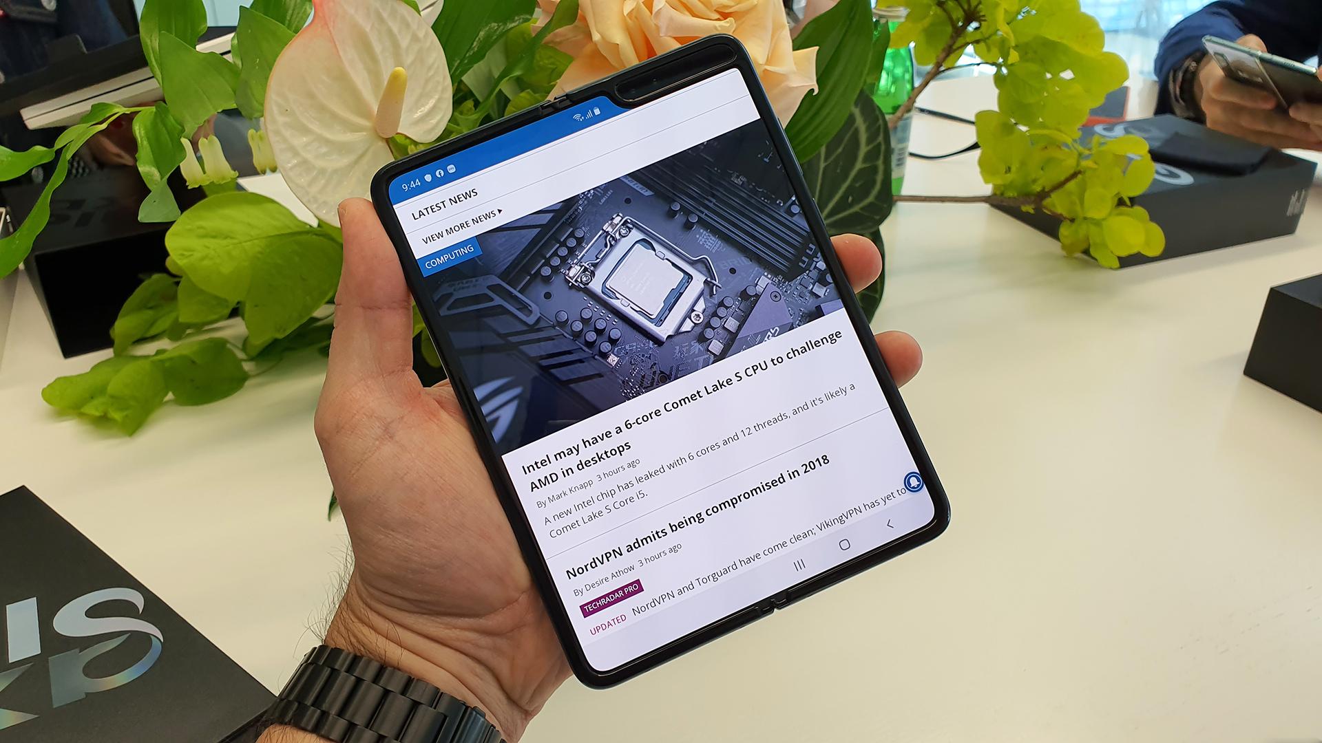 Складной смартфон Samsung Galaxy Fold E