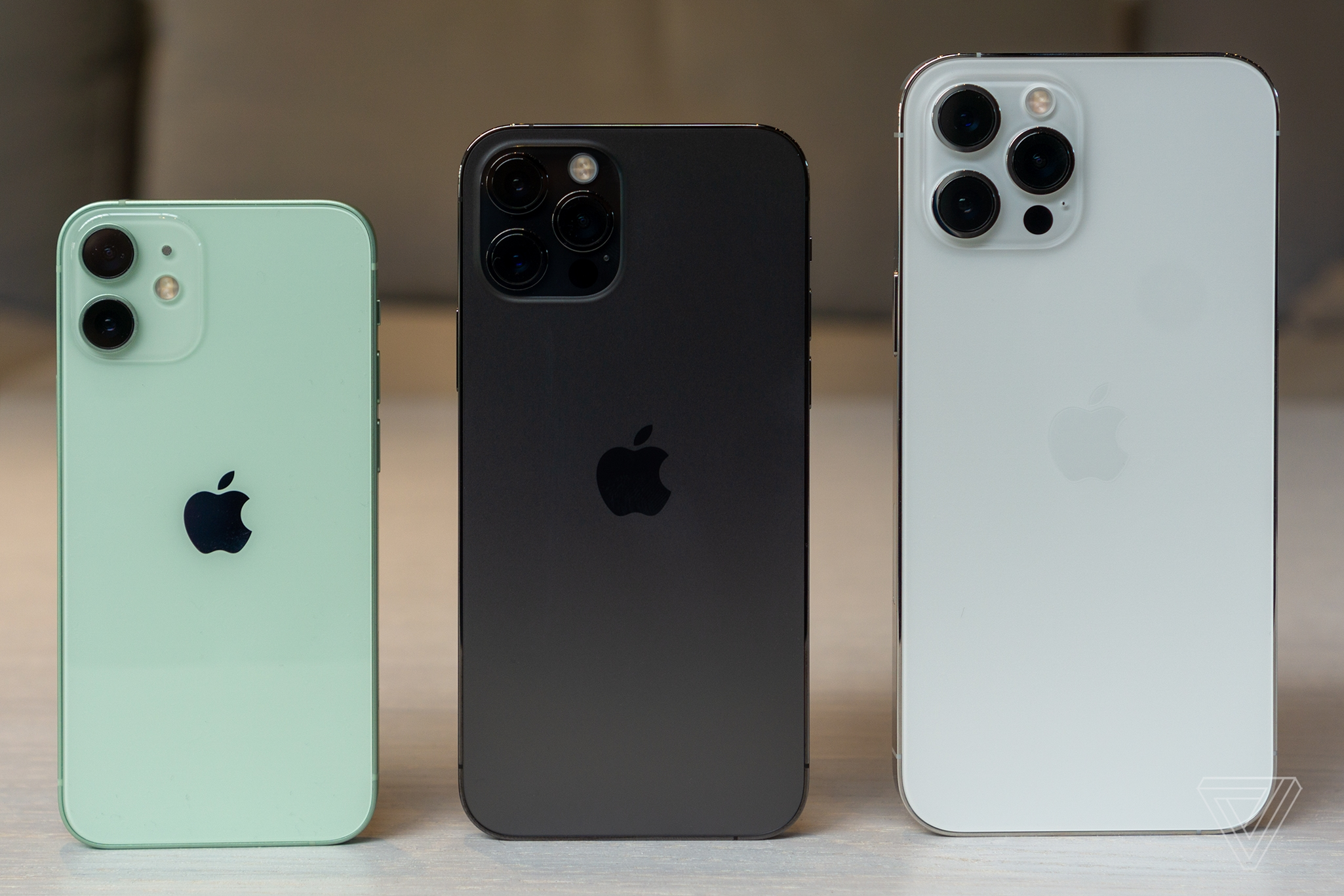 iPhone 12 серия