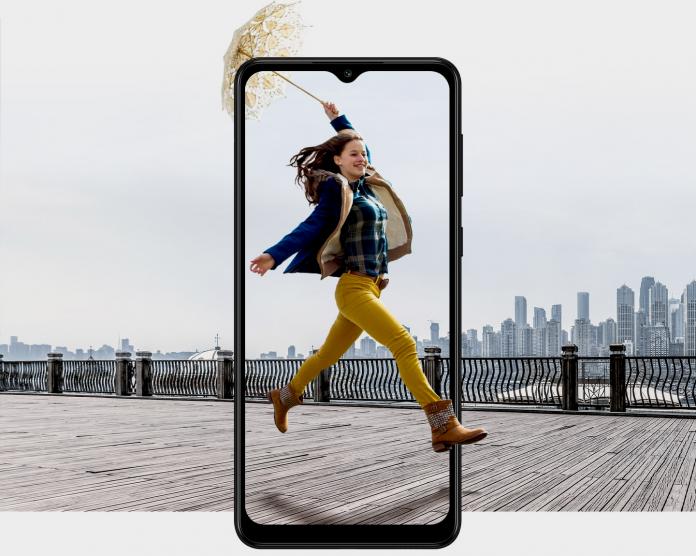 новый смартфон Galaxy A02